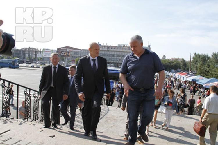 Сити-менеджер Сергей Давыдов работой «Северного» автовокзала, в целом, остался доволен.
