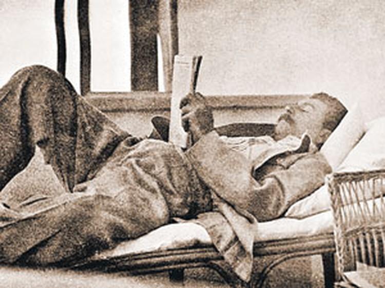 Товарищ Сталин расслабляется на даче