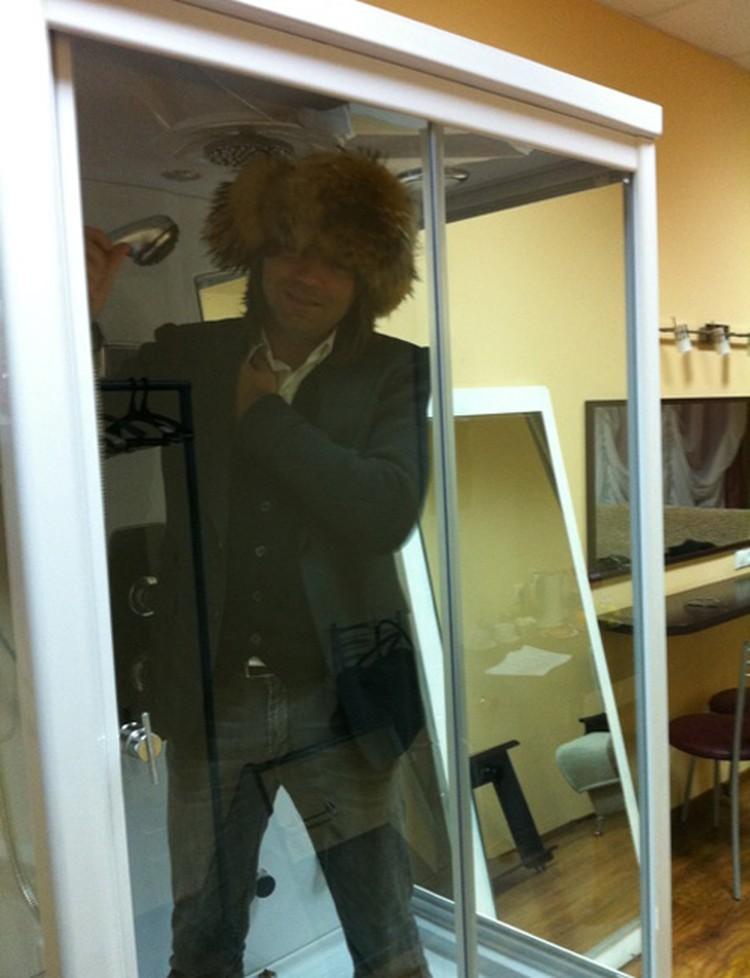 Дмитрий Маликов в гримерке ДК «Аксион»: «Иполит. Спинку пошоркайте, пожалуйста!»