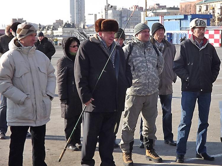 Во Владивостоке поддержали всероссийскую акцию протеста - митинг рыболовов «В защиту рыбаков, рыбы и водоемов, против беспредела на воде!»