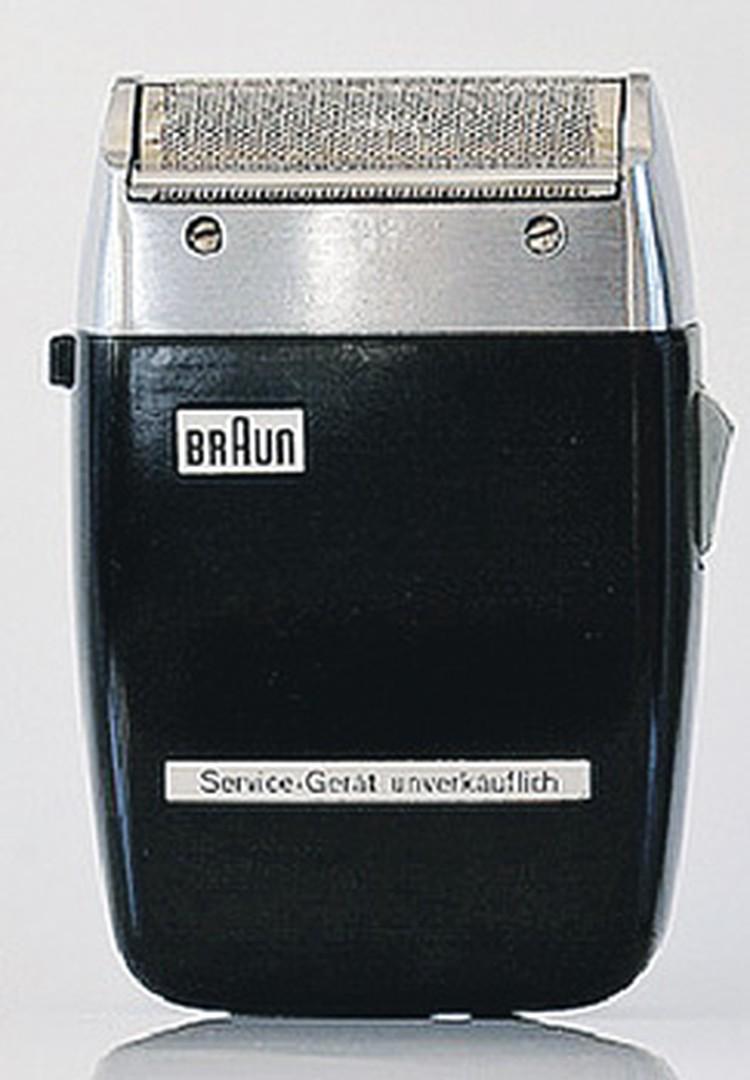 ...апотом немецкой электробритвой Braun.