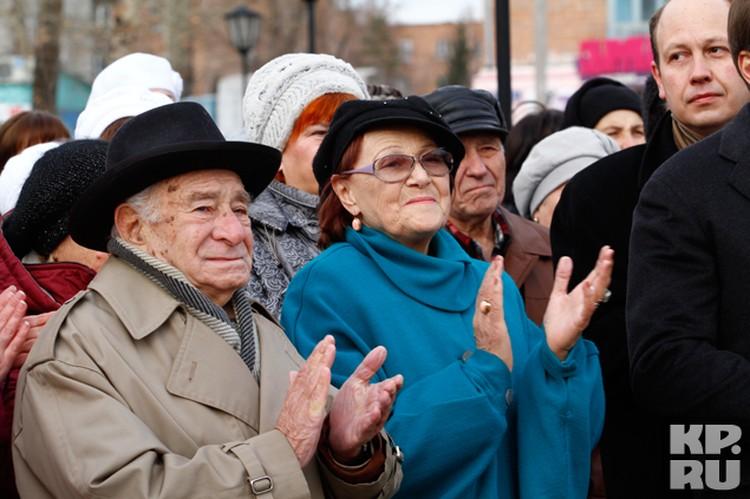 Георгий Нотансон (слева), Татьяна Конюхова и Иван Ладынин (справа)