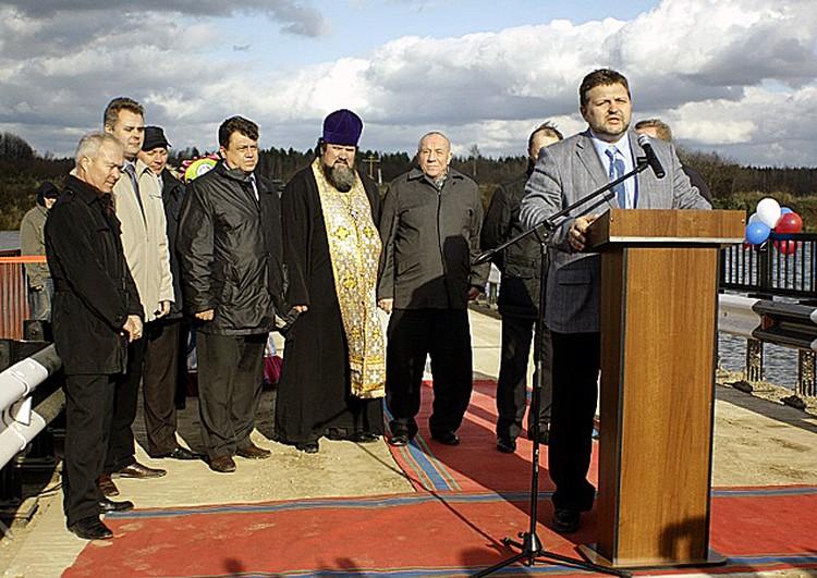 Открывал мост губернатор Никита Белых.