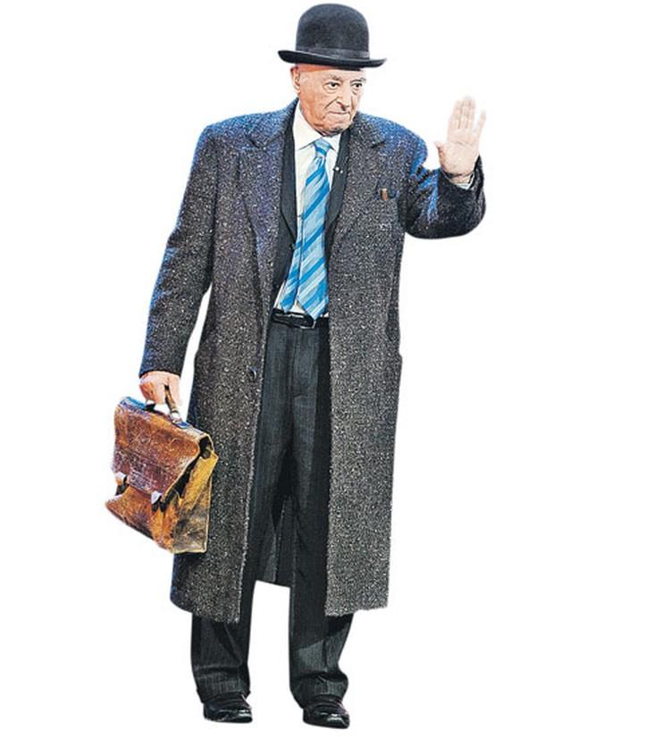 В 90 лет Этуш - как огурец; готов и на сцене играть, и в кино сниматься.