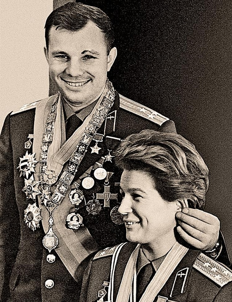 Юрий Гагарин и Валентина Терешкова. 1 сентября 1965 года.