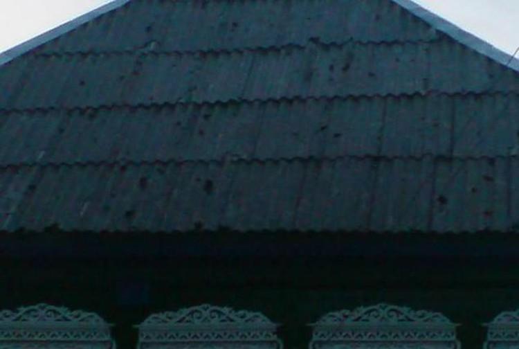 Пострадали крыши 150 домов.