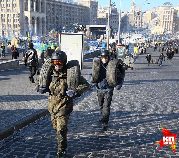 Не надо нагнетать в СМИ. Весь Киев живет своей привычной жизнью
