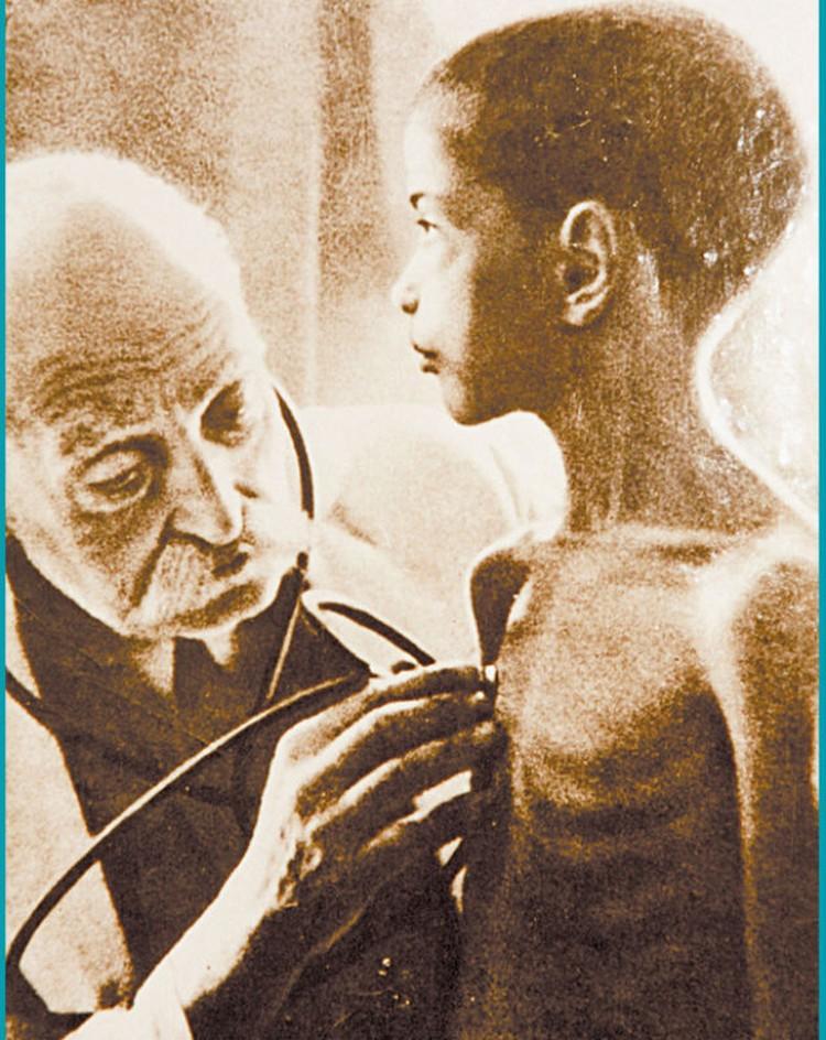 Сотни тысяч ленинградцев умерли от голода.