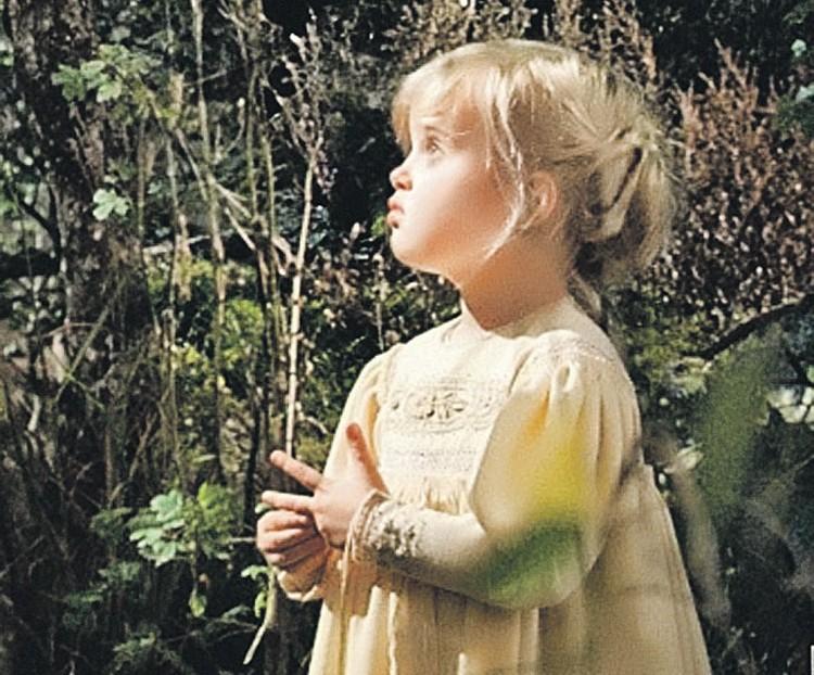 Дочь Джоли иБрэда Питта 5-летняя Вивьен была единственным ребенком наплощадке, который не боялся актрису в гриме.
