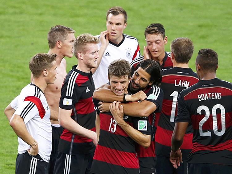 Немцы вышли в финал чемпионата мира и встретятся с Голландией или Аргентиной