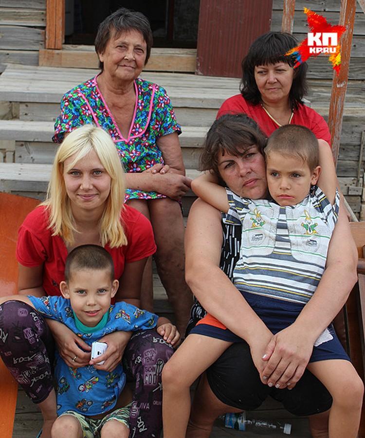 Женщины из семей Бабашевых и Кузнецовых готовы трудиться на ферме.