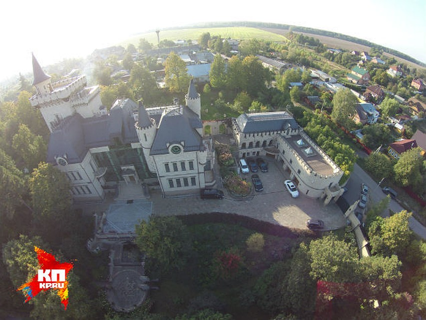 дешевле дворец пугачевой и галкина фото виноград