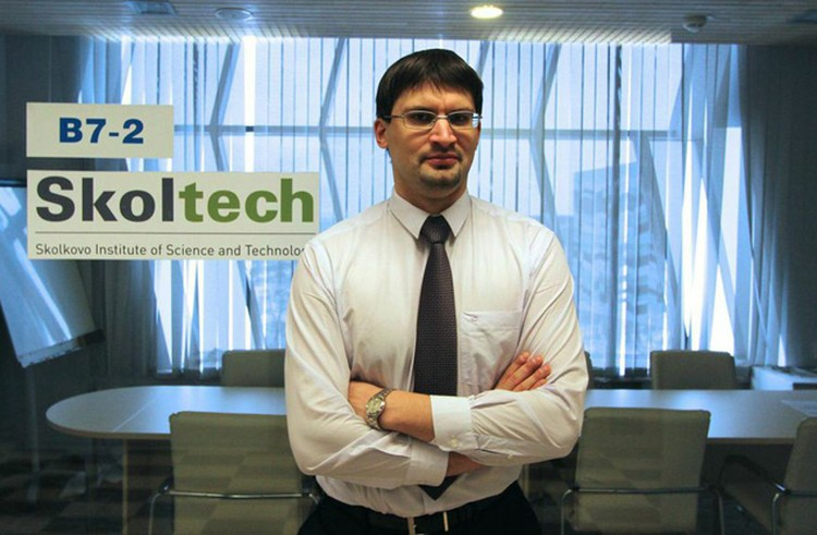 Дмитрий - Один из ведущих экспертов по искусственному интеллекту