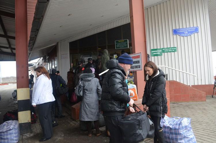Украинцев в Россию, как и раньше, пускают по внутренним паспортам.