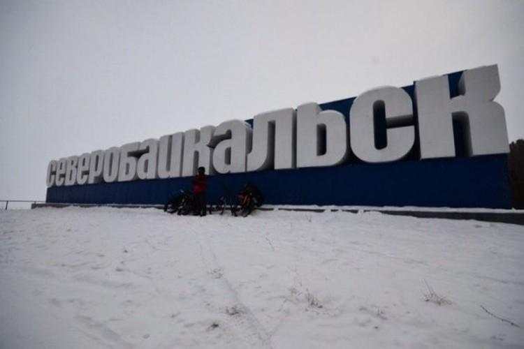 Сергей Северин, впрочем, как и его напарник, перед экстремальным заездом тренировался на льду Финского залива, чтобы чувствовать себя в пути увереннее.
