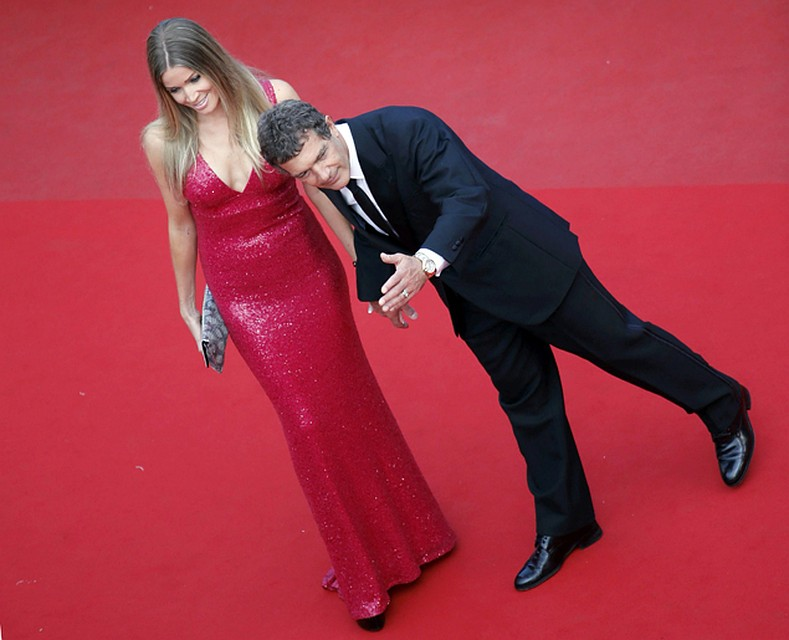 Антонио Бандерас и его девушка Николь Кемпел отдохнули на яхте в Монако