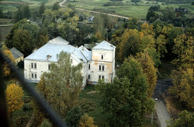 В этом доме родилась Соня Корвин-Круковская.