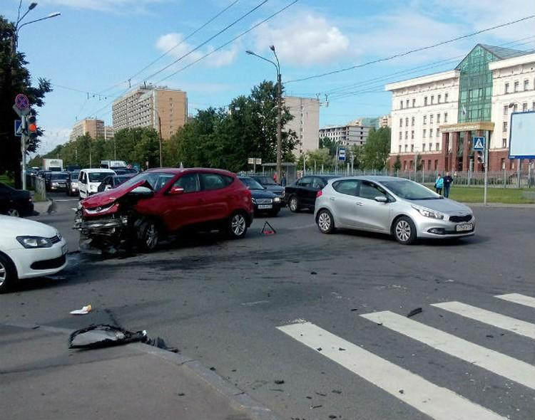 По предварительной версии, в ДТП виновата женщина за рулем Hyundai. ФОТО: соцсети.