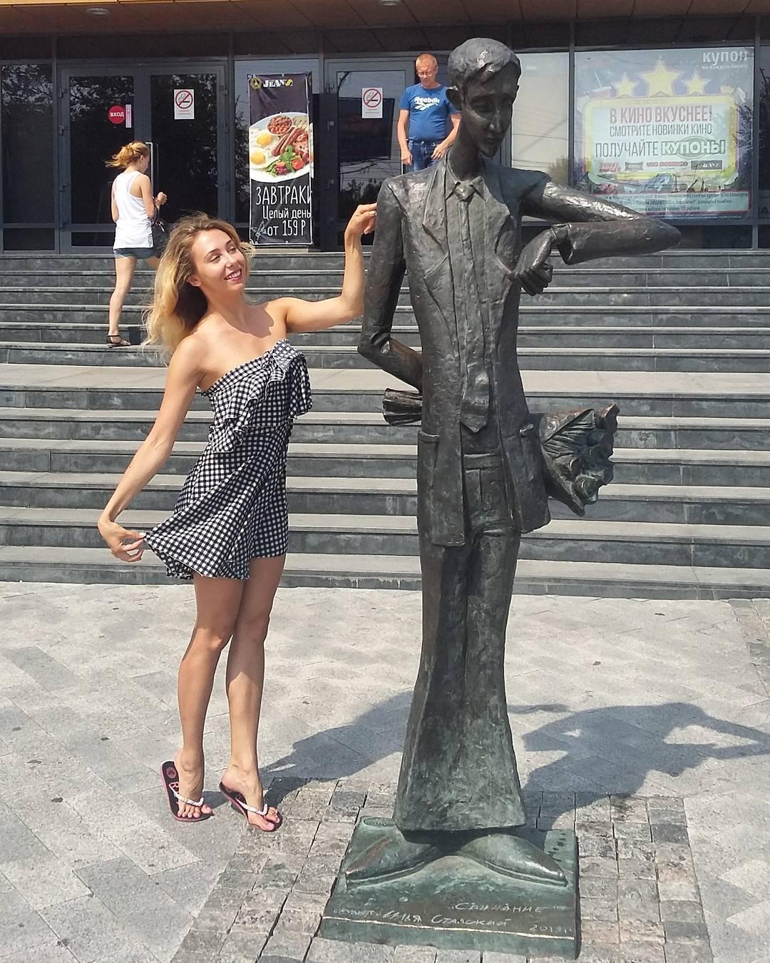 Очень интеллигентный юноша на улице Байкальской в Иркутске