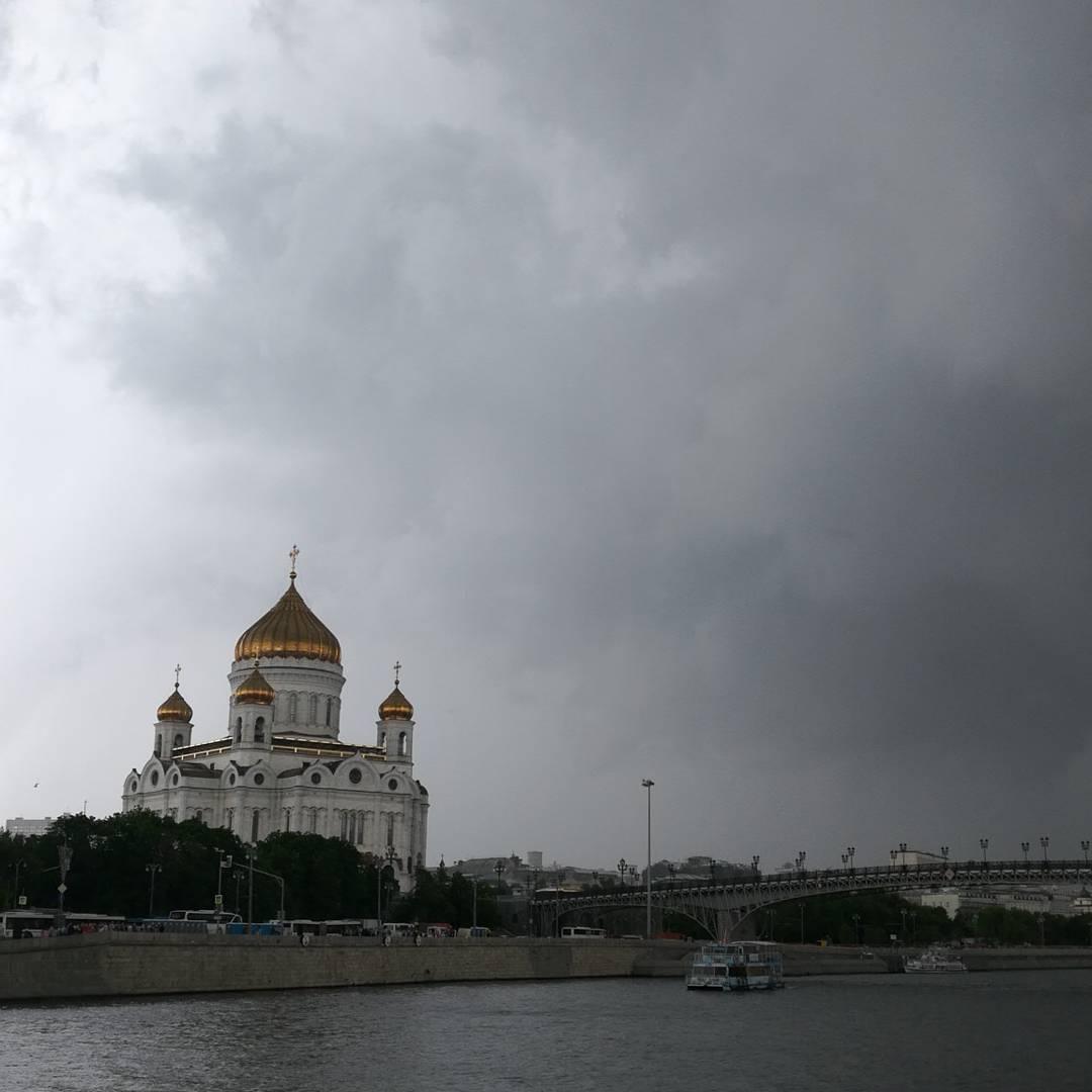 Начинается шторм( #лето #Москва #дождь #шторм