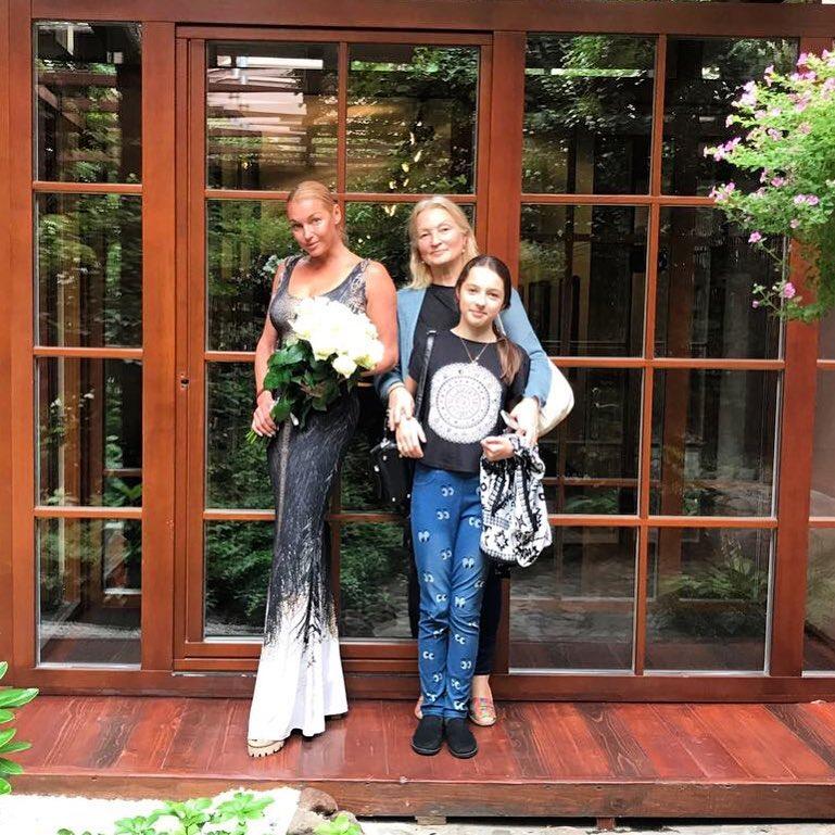 Мы в Александр Хаус .Чудесный ресторан и отель! @ariadna_volochkova #volochkova #моилюбимые #счастливывместе #любимыйпетербург #городсказкагородмечта #яркиекраскимоейжизни