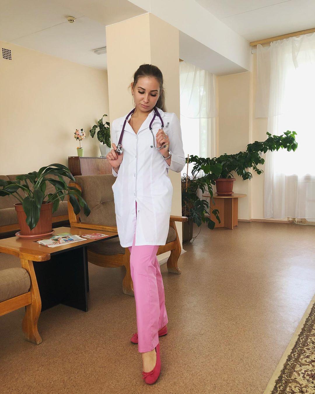 Сотрудницы Тульской больницы выкладывают свои фото в соцсетях