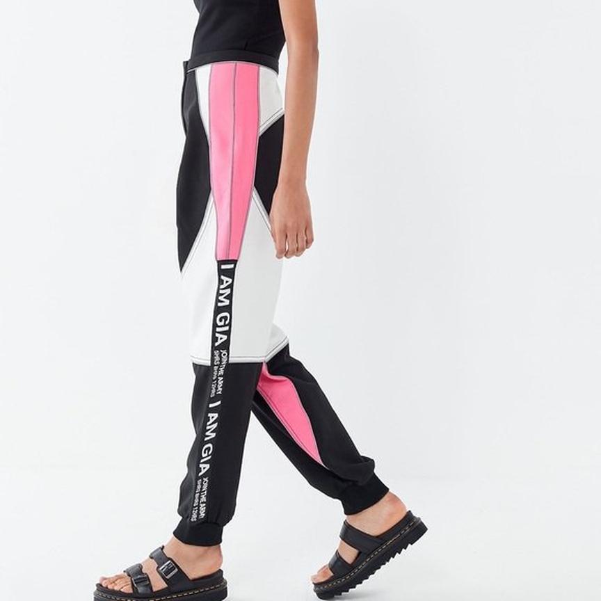 Спортивные брюки от Юлианны Карауловой
