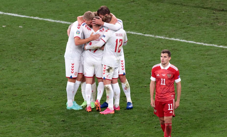 Роман Зобнин совершил досадную ошибку в матче с Данией, которая привела к голу. Фото: Reuters