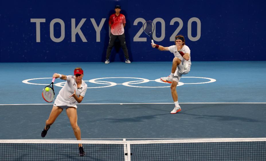 Российские теннисисты Анастасия Павлюченкова и Андрей Рублев стали олимпийскими чемпионами в миксте на Играх-2020. Фото: Reuters