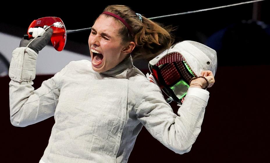 Российская саблистка София Позднякова стала двукратной чемпионкой в Токио. Фото: Reuters