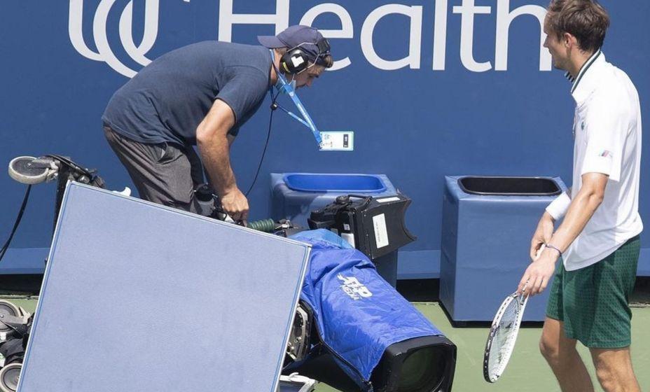 Даниил Медведев на турнире в Цинциннати ввязался в битву с телекамерой. Фото:  Инстаграм