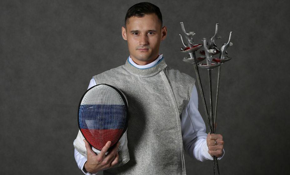 Фехтовальщик на рапирах Тимур Сафин взял серебро Токио-2020 в командной дисциплине. Фото: из архива Лиры Грушиной